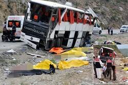 تصادف اتوبوس با کامیون در استان «مانیسا» ترکیه/ ۳۹ نفر کشته و زخمی شدند