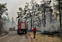 Yunanistan'daki orman yangını için Britanya ve Fransa'dan yardım