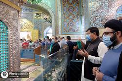 پاکستان کے چیئرمین سینیٹ صادق سنجرانی کی مشہد مقدس میں روضہ امام رضا (ع) پر حاضری