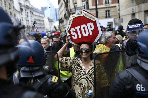 فرانسویها به «دیکتاتوری سلامت» ماکرون اعتراض کردند