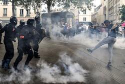 توهین رئیس جمهور فرانسه به مخالفان