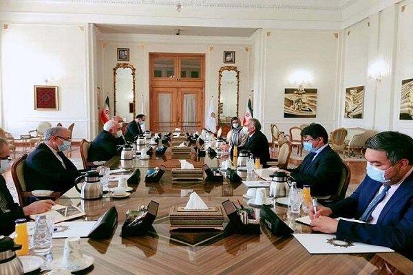 ظريف يجري محادثات مع مبعوث أمين العام للأمم المتحدة حول أفغانستان