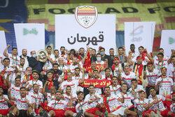 فولاد خوزستان يهزم استقلال طهران ويتربع  على عرش بطولة الكاس