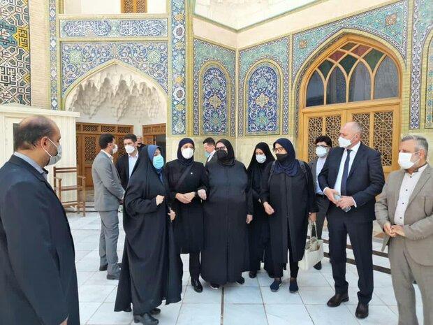 Bosnian FM visits Hazrat Masoumeh holy shrine