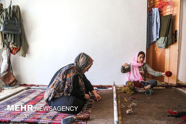 Kilim weaving in NE Iran