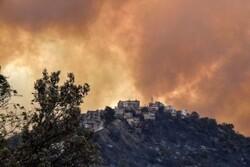 Zionist regime unable to overcome massive wildfire