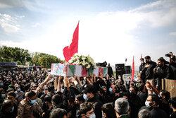 تہران میں مدافع حرم شہید حاج رضا فرزانہ کی تشییع جنازہ
