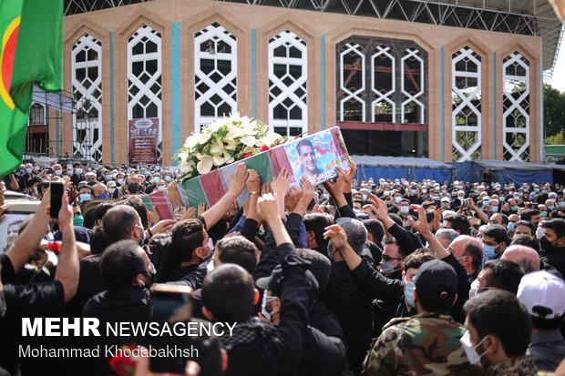 تشییع پیکر سردار مدافع حرم شهید حاج رضا فرزانه