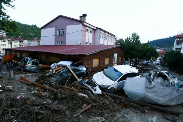 Death toll from northern Turkey floods rises to 27 (+video)