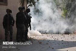 Zionists raid Palestinians in Nablus, injure dozens