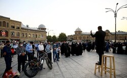 برگزاری مراسم چهارپایهخوانی مقابل منازل شهدای همدان