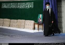رہبر معظم انقلاب اسلامی کی موجودگی میں حسینیہ امام خمینی (رہ) میں پہلی مجلس عزا منعقد