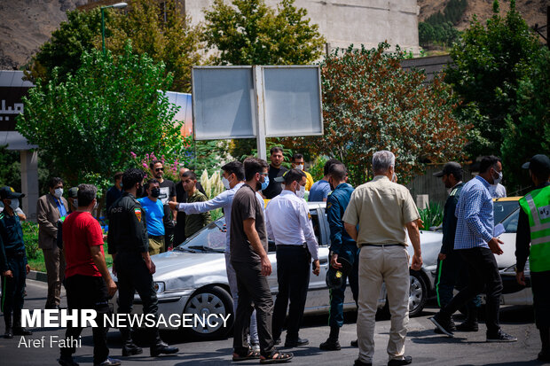 Police force back drivers on Chalous road amid lockdown