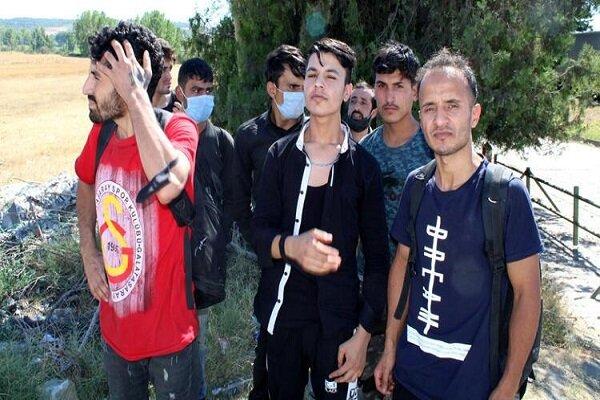 Arnavutluk, Afgan göçmenlerin transit geçişine yeşil ışık yaktı