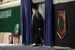 رہبر معظم کی موجودگی میں حسینیہ امام خمینی (رہ) میں دوسری مجلس عزا منعقد