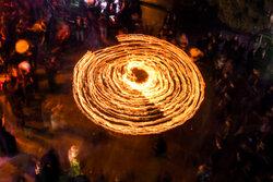 قم میں مقیم نجفیوں نے نویں محرم کی شب میں مشعل گردانی کی رسم ادا کی
