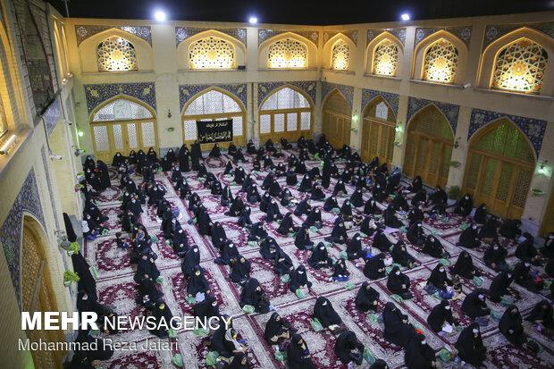 İsfahan Cuma Camisi'nde Muharrem etkinliği