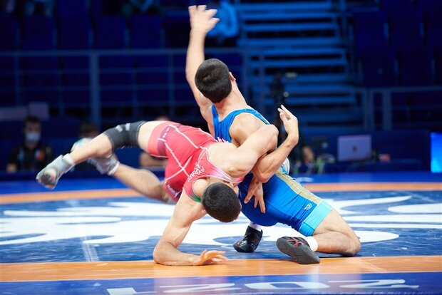 4 Iranian wrestlers into final of world c'ships in Russia
