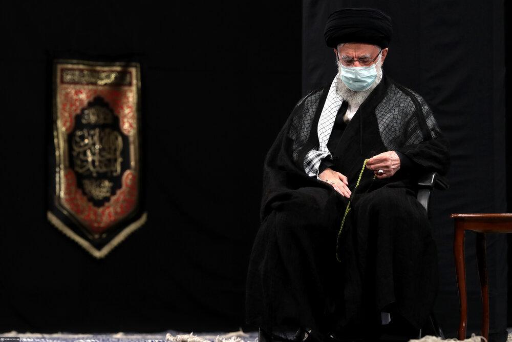 مراسم عزاداری شب تاسوعای حسینی(ع) با حضور رهبر انقلاب برگزار شد