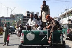Afganistan: Taliban, ABD'nin 'milyar dolarlık' askeri teçhizatına el koydu