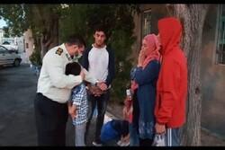 خانواده افغانستانی از دست زورگیران نجات یافتند