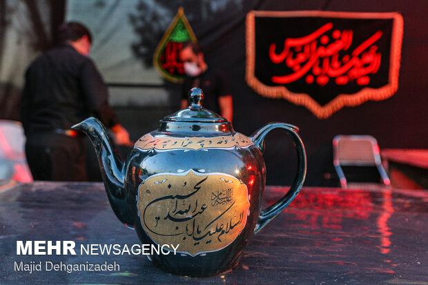 """Yezd'de yapılan geneleksel """"Matem Kahvesi"""""""