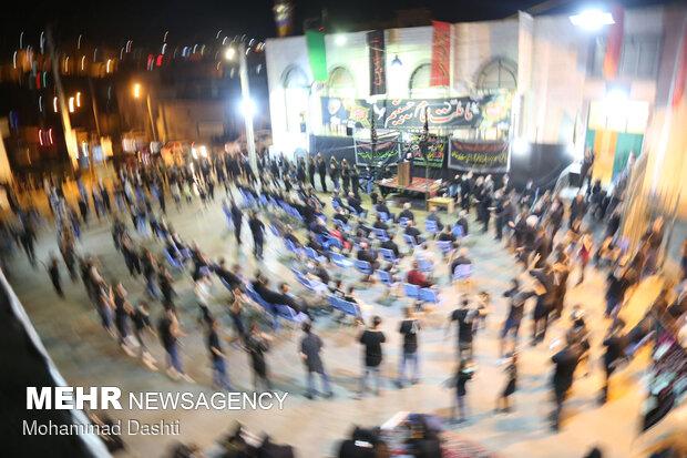 İran'daki Tasua gecesi merasiminden görüntüler