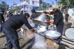 پخت غذای نذری همزمان با ولادت پیامبر در مناطق اهل تسنن بجنورد