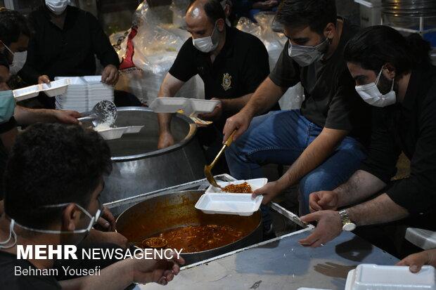 طبخ بیش از 18 هزار پرس غذا در دهه اول محرم توسط هیئت علمداران اراک