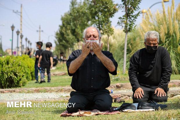 نماز ظهر عاشورا در دیار قومس برگزار شد/طنین تکبیر در وقت عاشقی