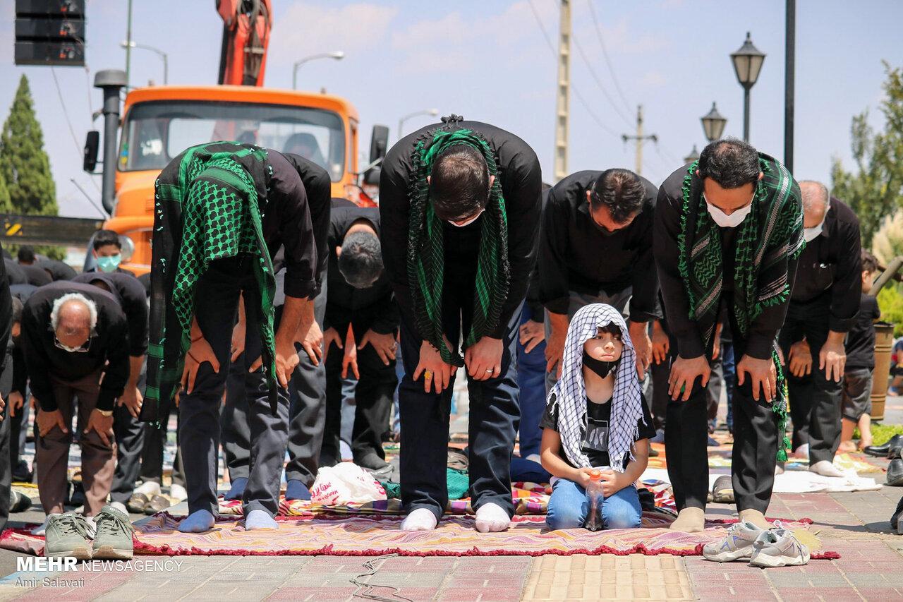 «ایران» ظهر عاشورا به نماز ایستاد/ عزاداران به «حسین» اقتدا کردند