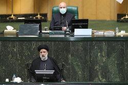 ایرانی پارلیمنٹ میں حکومتی وزراء کو اعتماد کا ووٹ دینے کے سلسلے میں بحث  کا آغاز