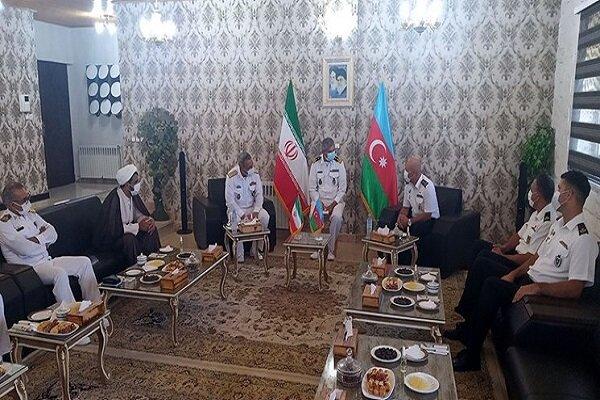 Iranian, Azeri Navy commanders underline expansion of coop.