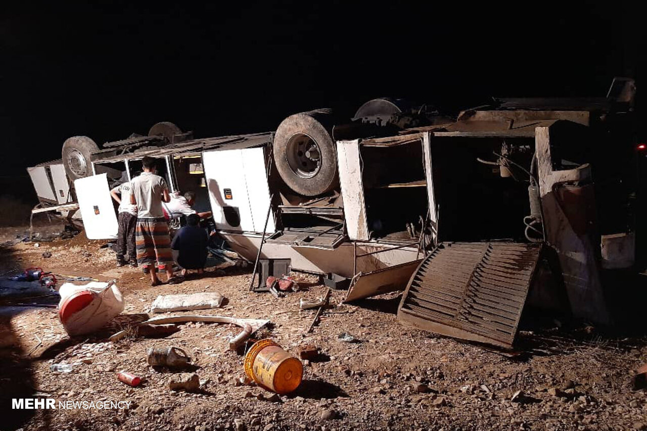 یکی از مصدومان واژگونی اتوبوس در مهماندوست دامغان فوت کرد
