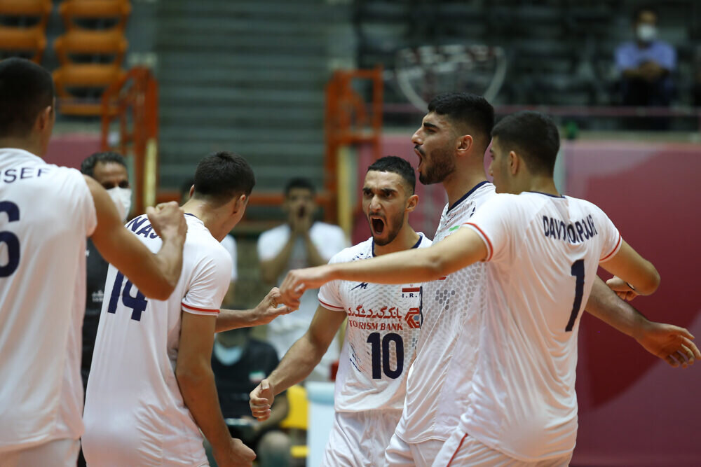 پیروزی تیم والیبال نوجوانان ایران مقابل هند