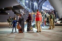 اليابان ترسل طائرة عسكرية لإعادة رعاياها من أفغانستان