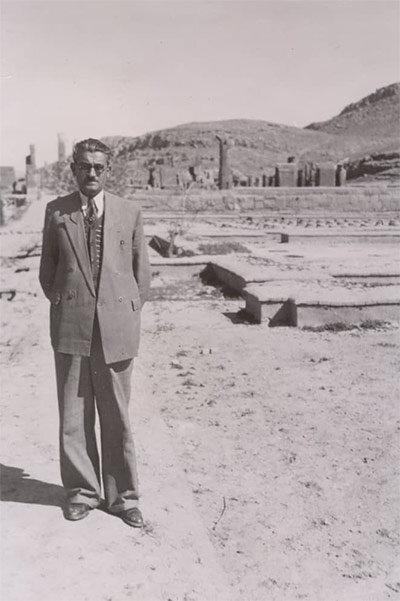 کاوشهای تخت جمشید در «ایران باستان» دیده میشود