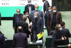 İran Meclisi'ndeki güvenoyu oturumu 4. gününde