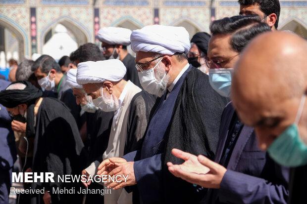 تشییع پیکر علامه محمدرضا حکیمی در حرم مطهر رضوی