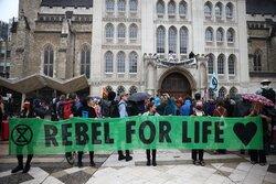 اعتراض فعالان زیست محیطی در لندن