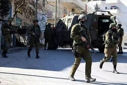 Zionist military forces raid Palestinians in West Bank
