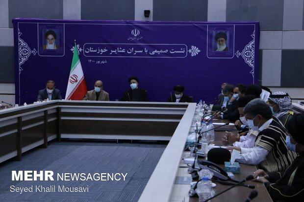Cumhurbaşkanı Reisi Arap ve Lur aşiret reisleriyle görüştü
