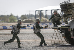 رقابت «اربابان سلاح» در اصفهان