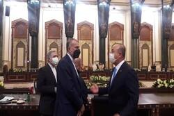 وزير الخارجية الايراني يلتقي نظيره التركي