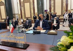 وزير الخارجية الايراني: الامن لایستتب الا عبر الثقة المتبادلة بین دول المنطقة