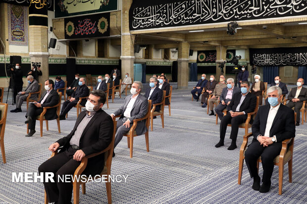 Leader's 1st meeting with new Cabinet
