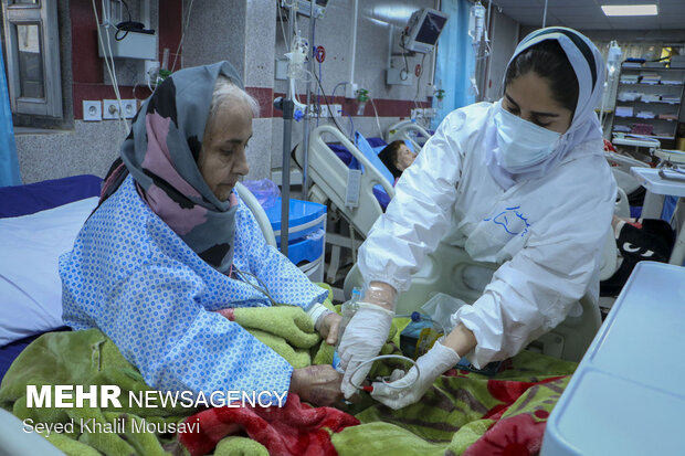 Iran COVID-19 update: 33,780 news cases, 669 deaths