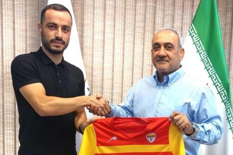 مدافع فولاد خوزستان قراردادش را تمدید کرد