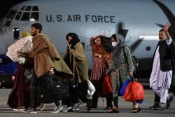 ورود اولین گروه از پناهجویان افغان به کوزوو/ اسکان پناهجویان در اردوگاههای موقت