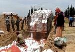 """اتلاف 171 طن من البذور الفاسدة مقدمة من """"الفاو"""" كمساعدات للشعب اليمني"""